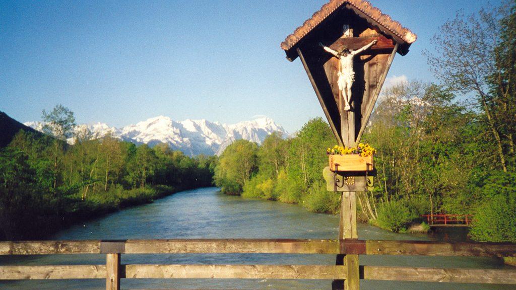 Ferienwohnung Hofer an der der Loisachbrücke in Oberau