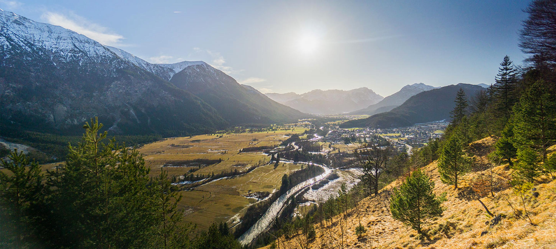Eine Wanderung zum Loisachblick in Oberau mit einen wunderschönen Panorama.
